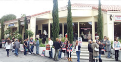 Fur Protestors Gather at Kardashian Store [PHOTO]