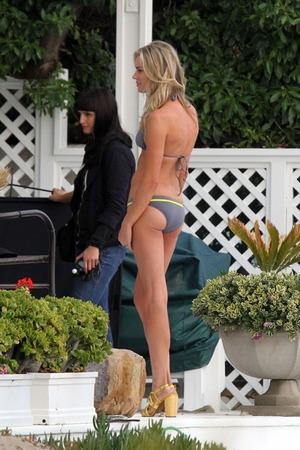 Rebecca Romijn in a Bikini -- Hotness