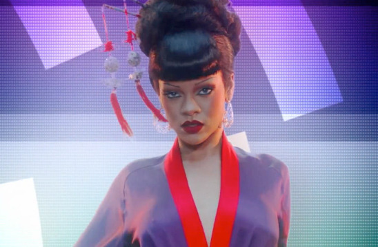 "Rihanna's Sexy Geisha Makeover for ""Princess of China"" Video"