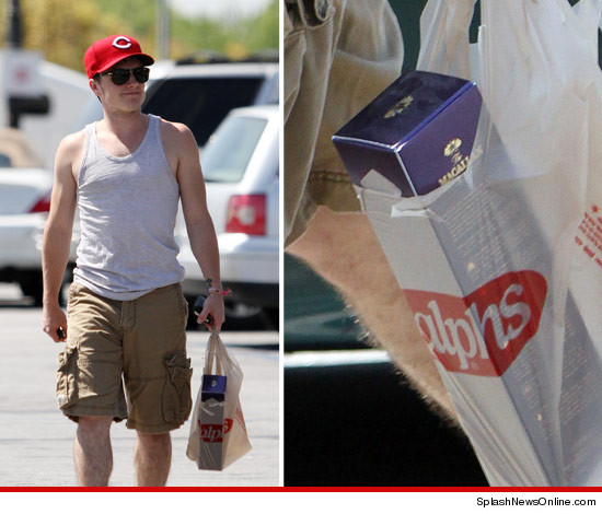 Josh Hutcherson took a not-so-cheap shot at a Ralphs Grocery store
