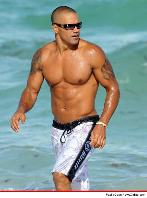 Shemar Moore shirtless at the beach