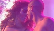 """Casper Smart Dances with Jennifer Lopez on """"Idol"""""""