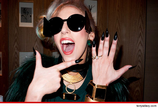 Lady Gaga engagement ring?