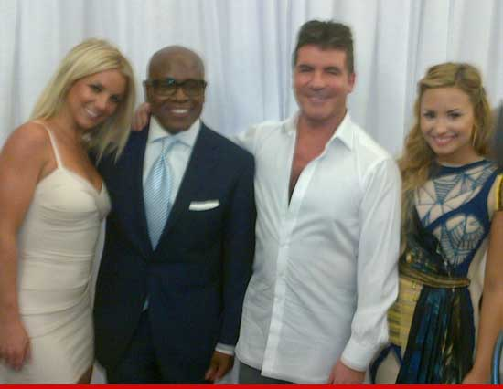 Simon Cowell twitter photo with Britney Spears, L.A. Reid &amp; Demi Lovato