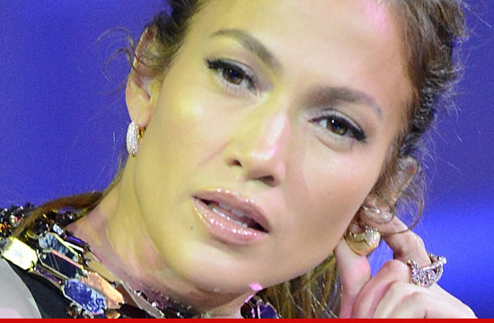 0516_jennifer_lopez_american_idol_article