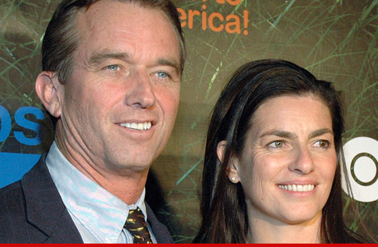 0516_robert_f_kennedy_jr_wife_suicide_mary_1
