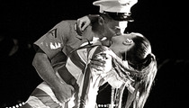 Video: Katy Perry Kisses Marine During Fleet Week!