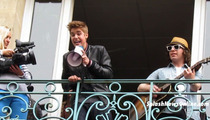 Justin Bieber's Eardrums Take a BEATING in Paris