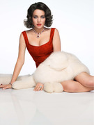 See More Shots Of Lindsay Lohan As Elizabeth Taylor!