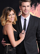 Miley Cyrus Engaged to Liam Hemsworth!