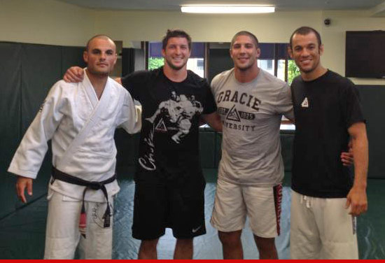Tim Tebow training with the Gracie family