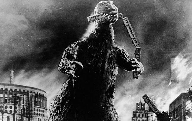 "Comic-Con: Warner Bros. Surprises with ""Godzilla"""
