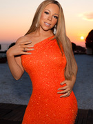 Mariah Carey Looks Super Skinny in New &quot;American Idol&quot; Pic