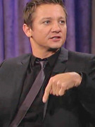 Video: Jeremy Renner Describes Embarrassing Viagra Fiasco