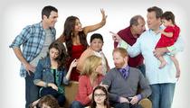 'Modern Family' Cast -- Drops Lawsuit ... We're Back In!