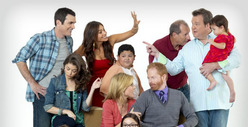 'Modern Family' Cast -- Drops Lawsuit ... We're Back In!
