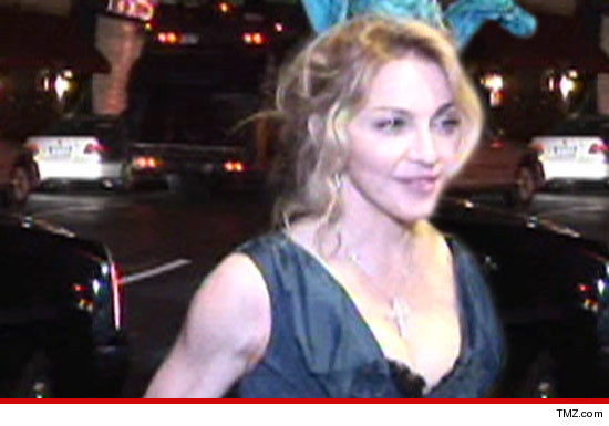 0728_madonna_tmz