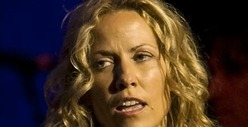 Sheryl Crow -- Chickens Out In Hyped-Up Lance Armstrong Interview