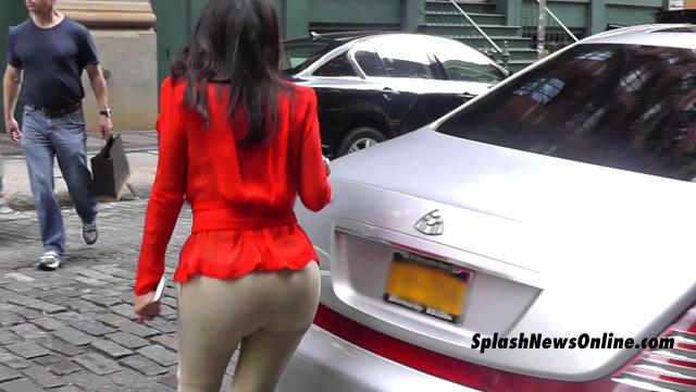 073112_kim_k_splash