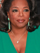 Oprah Winfrey Shows Off Her Natural Hair