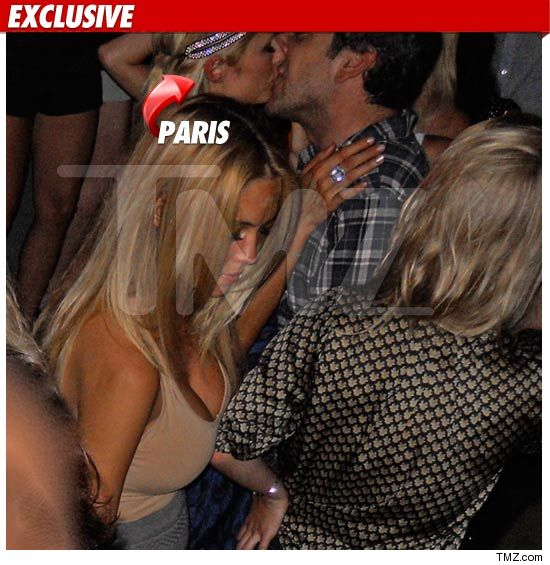 0703-paris-kissing-ex-credit
