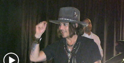 Johnny Depp -- Single, Ready to Mingle ... at Pink Taco