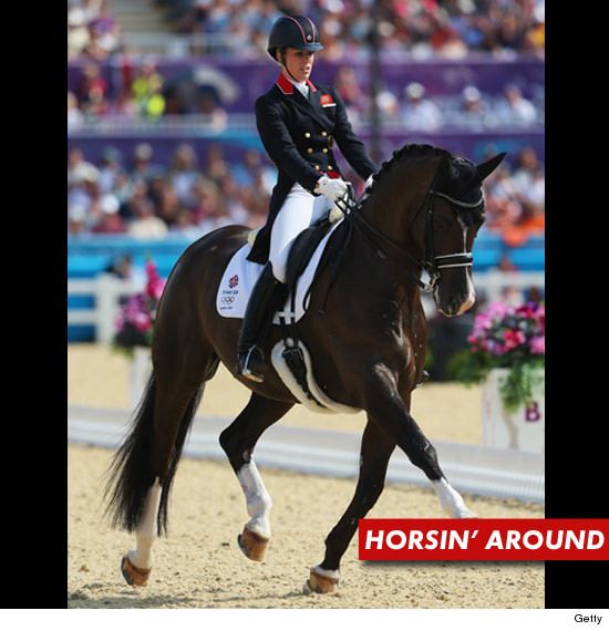 0809_charlotte_dujardin_gold_horse