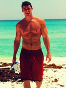 "Alan Ritchson Cast In ""The Hunger Games: Catching Fire"""