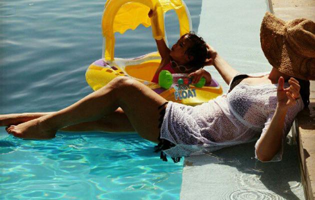 Mariah Carey Tweets Bikini Pic with Baby Monroe