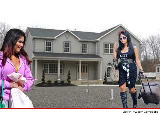 0817_jwoww_snooki_tmz_getty