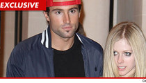 Brody Jenner -- Avril Lavigne Fights with a Chick, Brody Takes a Bottle to the Head