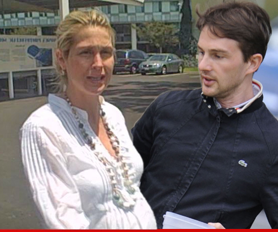 0830-kelly-rutherford-tmz-Daniel-Giersch-getty