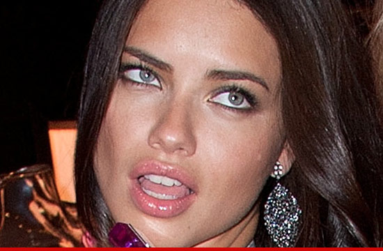 0831_adriana_lima_01