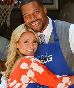 "Michael Strahan Announced as ""Live! With Kelly"" Co-Host!"