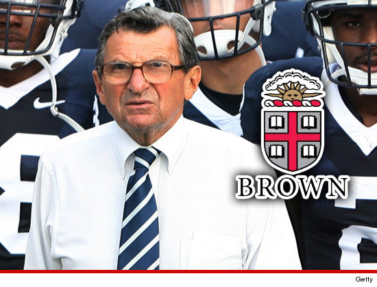 0914-joe-paterno-brown-getty