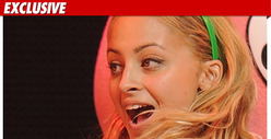 Nicole Richie -- Officially a Free Woman!!!