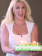 Video: Britney Spears Sings &quot;Happy Birthday&quot; on &quot;X Factor&quot;