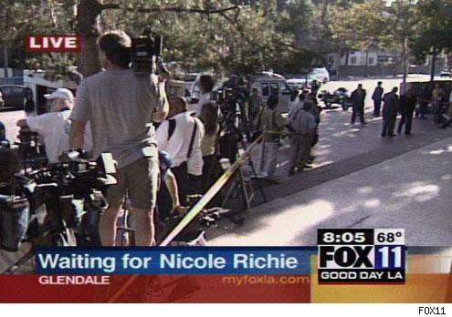 0727_nicole_richie_group_fox-1