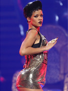 Rihanna Sizzles, Green Day Fizzles at iHeartRadio Music Festival!