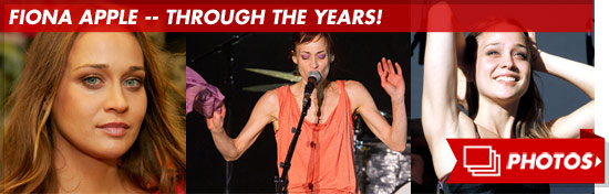 0925_fiona_apple_through_footer