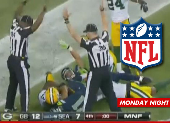 0925-nfl-touchdown-seahawks-packers-1-sw