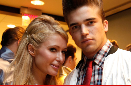 1001_paris_hilton_river_viiperi_article