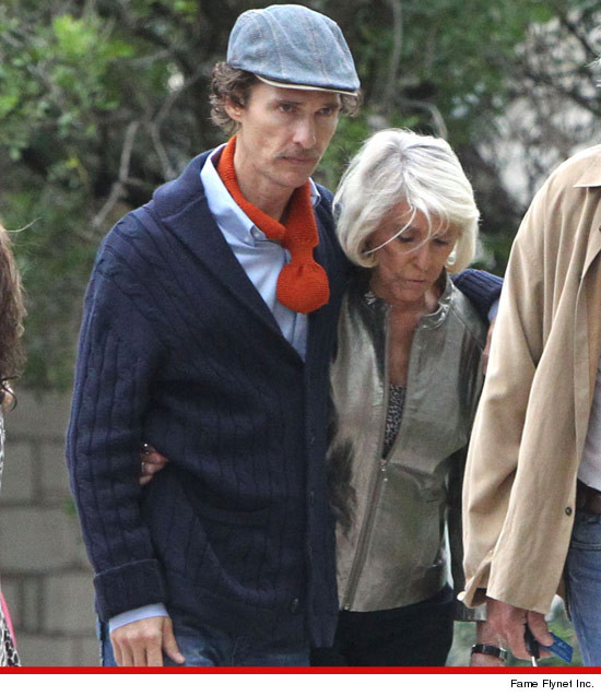 Matthew McConaughey looks skinny after weight loss.