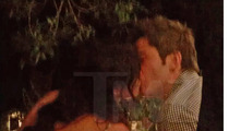 'Bachelor' Winner Courtney Robertson -- MAKES OUT with 'Bachelorette' Reject Arie Luyendyk
