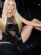 Heidi Montag Flaunts Curves After Revealing Surgery Regrets