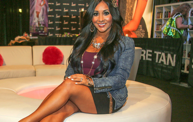 Snooki Flaunts Hot Legs at First Post-Pregnancy Appearance