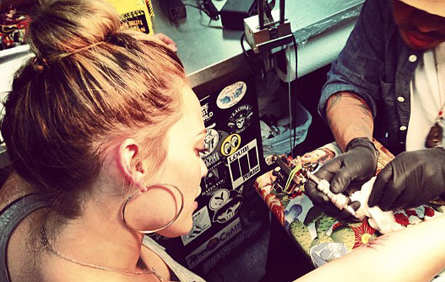 Hilary Duff Gets Brand New Tattoo!