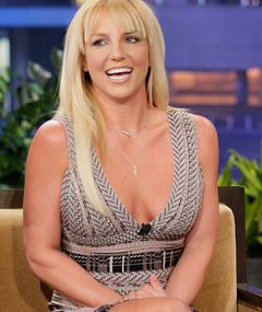 Britney Spears Shows Skin, New &#039;Do on &quot;Leno&quot;