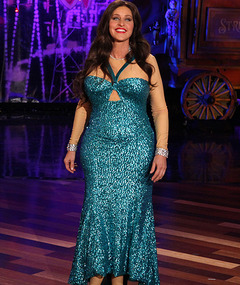 Ellen DeGeneres&#039; Halloween Costume: Sofia Vergara&#039;s Wardrobe Malfunction!