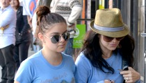 Ariel Winter -- UNITED FRONT with Big Sister [Photo]